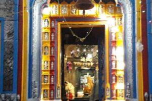 חיפוש אחר הקדושה במקדשים מבט אישי ומחקרי
